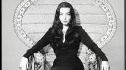 Cómo disfrazarse de Morticia Addams y otras mujeres icónicas del cine de