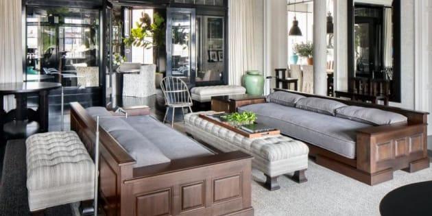 Le salon de l'appartement de Meg Ryan à Soho (New York).