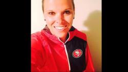 Asistenta de la NFL, primera entrenadora gay en deportes profesionales de