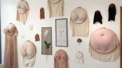 Cette artiste brode des poils de fesses, des seins et des