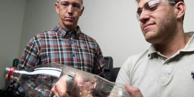 Plastica, scoperto un super enzima artificiale in grado di demolirla