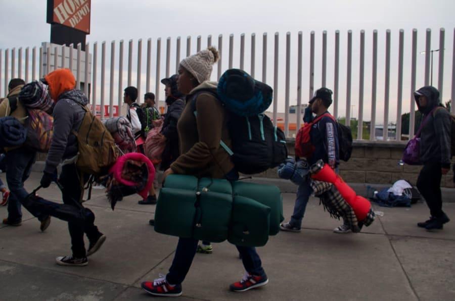 Desde las 5 de la mañana el metro estuvo abierto exclusivamente para los miles de centroamericanos que dejaron el albergue en la Ciudad para trasladarse hacía la estación Cuatro Caminos y retomar su viaje hacía la frontera Norte.