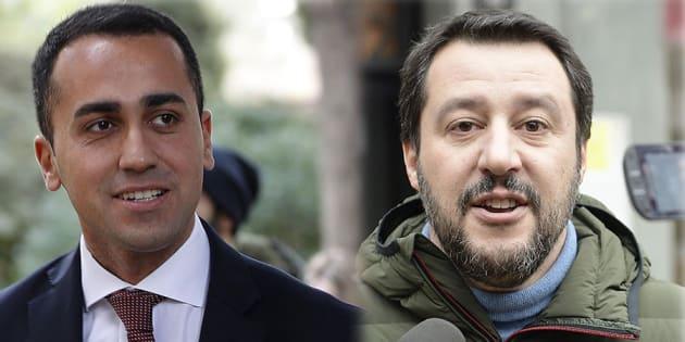 Caro Salvini, caro Di Maio: se volete sapere di chi è la colpa dello spread che sale non fate dirette Facebook urlando contro l'Europa: fatevi un selfie. Se aumenta il costo dei mutui, la responsabilità è solo vostra.