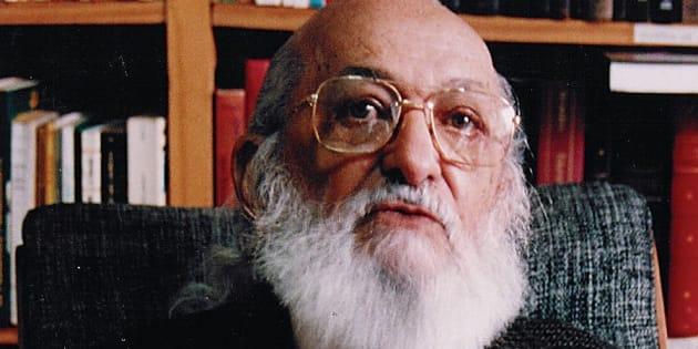 Em vídeo, colunista explica as bases da 'Pedagogia da Autonomia', de Paulo Freire.
