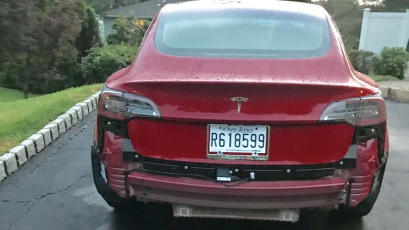 Tesla Model 3 can't stand the rain, loses its bumper cover