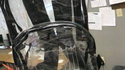 Les élèves de Parkland sont forcés de porter des sacs transparents, et cela ne leur plaît pas du