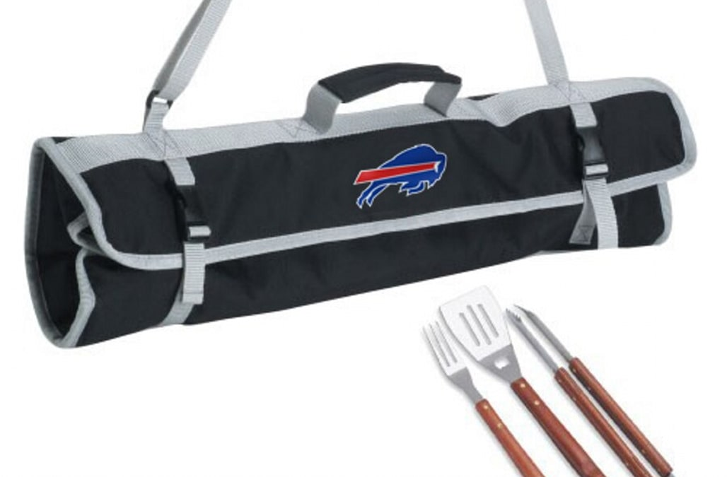 ab34136f These NFL-themed grill needs will bring some team pride to your next ...