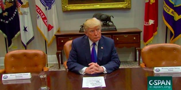 """Cette mise en scène des """"chaises vides"""" de Trump pour critiquer les démocrates n'a pas eu l'effet escompté"""