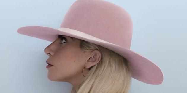 """Lady Gaga a dévoilé vendredi 21 octobre l'intégralité de son nouvel album, """"Joanne""""."""