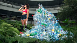 Un fotógrafo recolectó basura durante años para mostrar la cantidad de desperdicios que