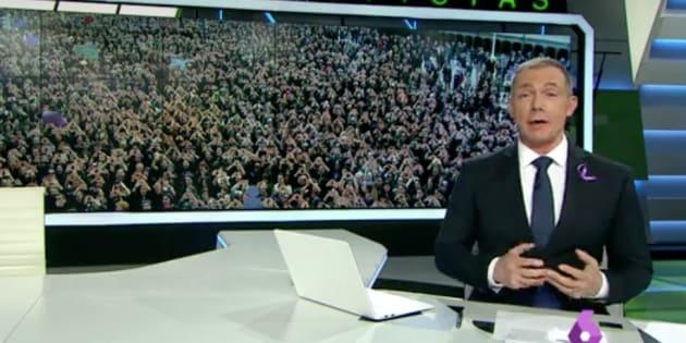 Hilario Pino presentando las noticias de laSexta.