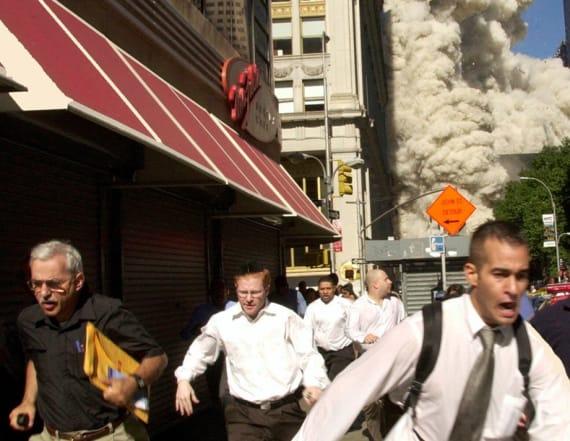 Man seen fleeing in famous 9/11 photo dies of virus