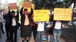 Con faldas, alumnos apoyan a sus compañeras en sus denuncias de