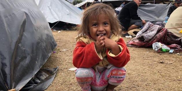 Lejos de palidecer ante esta tragedia humanitaria, los niños han sido el alma de la caravana. Foto: Valeria León