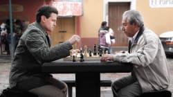 La foto de Peña jugando ajedrez, ¿conquistó