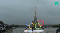 Les anneaux olympiques dévoilés au Trocadéro (et ça a été