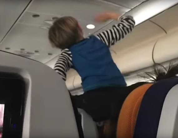 Child screams for 8 hours on flight in viral video