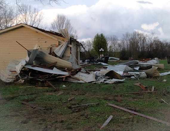 Tornado hits Alabama town ahead of Southeast storms