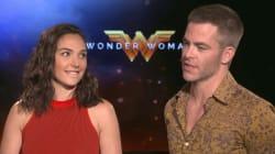 Ce regard très complice de Wonder Woman n'est pas passé