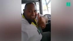 Ce chauffeur de bus avait toutes les raisons de faire un selfie en