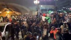 Les rues d'Alger en liesse après l'annonce du retrait de