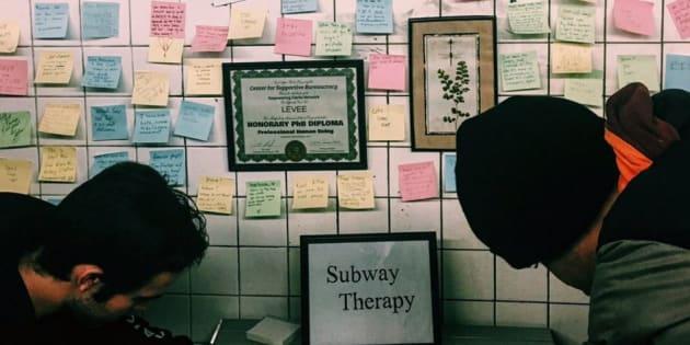 Les usagers du métro ont écrit leur ressenti à la suite de l'élection de Donald Trump à la présidence.