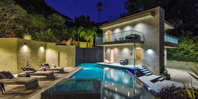 Rihanna vend sa splendide villa pour la modique somme de 7,495 millions de dollars.