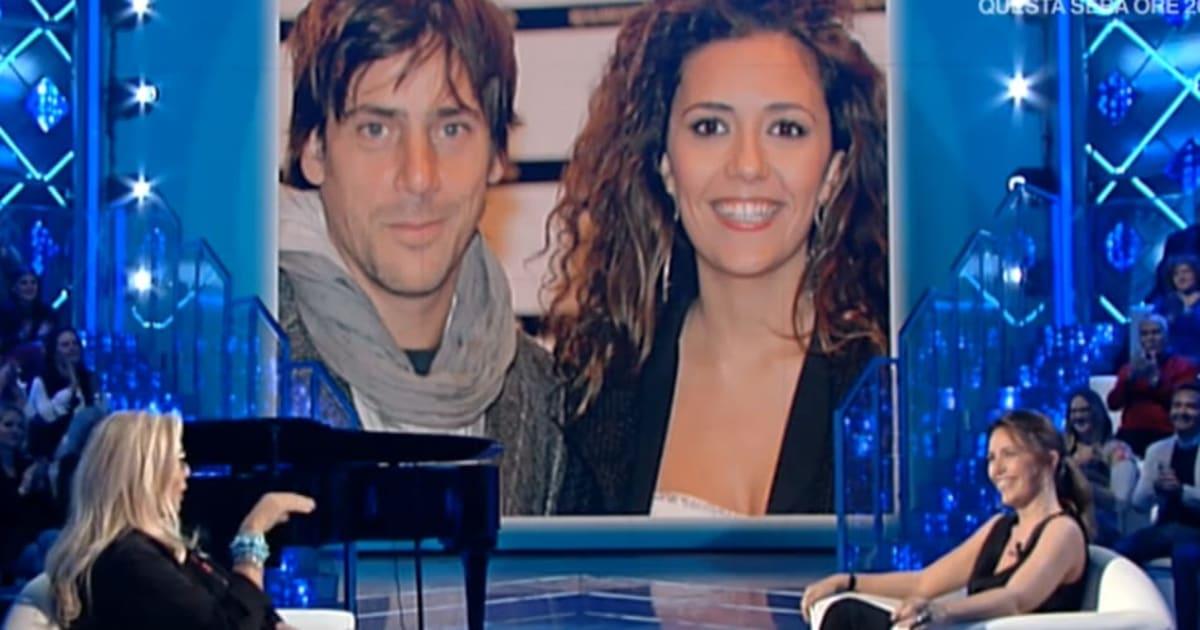 """Domenica In: la Venier """"organizza"""" le nozze tra Serena Rossi e il compagno in diretta"""