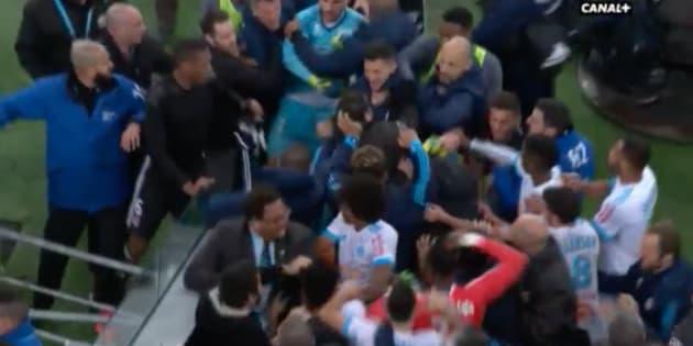 OM-OL: violents accrochages entre joueurs après la victoire de Lyon à Marseille en Ligue 1.