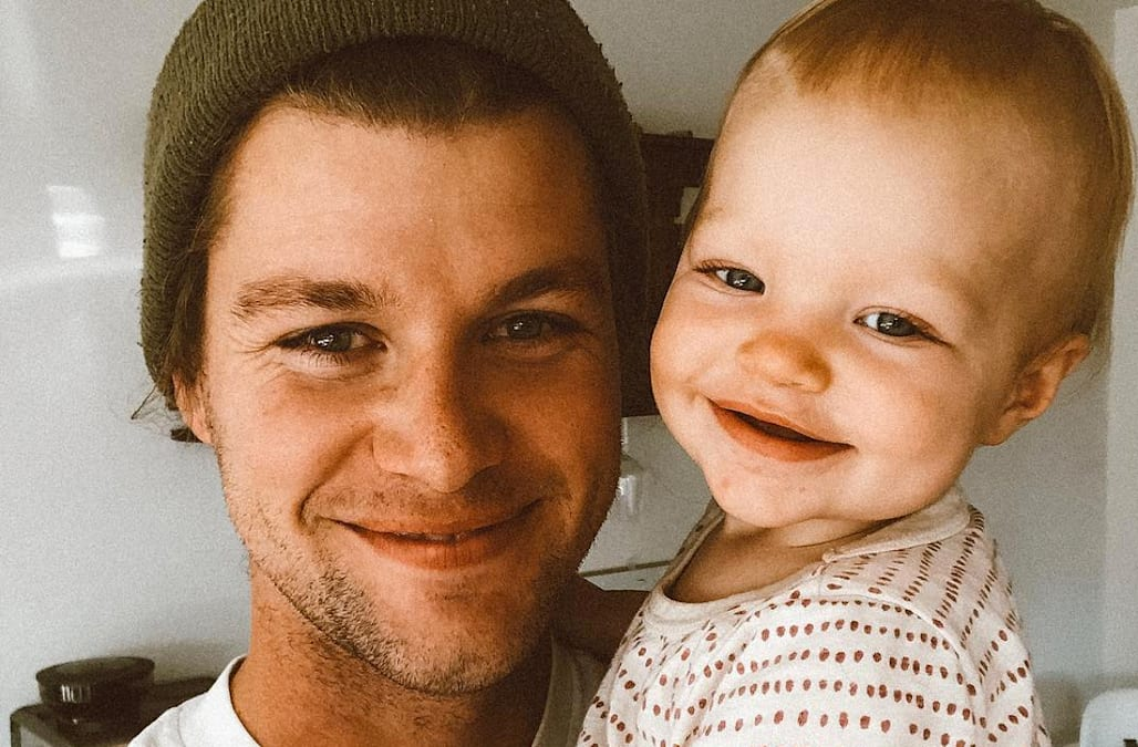 people are very upset about jeremy roloff s photo with his baby