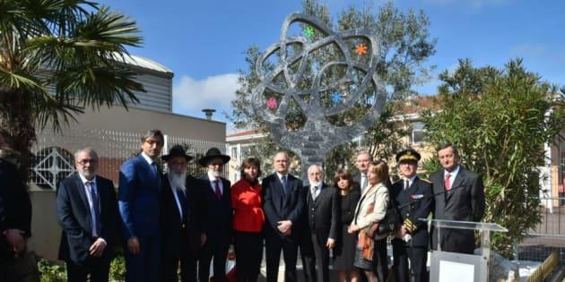 A Toulouse, Bruno Le Roux rend hommage aux victimes de Mohamed Merah.