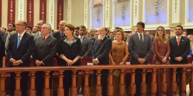 Geraldo Alckmin, Michel Temer, Dilma Rousseff e Fernando Haddad foram alguns dos políticos que participaram da inauguração do Templo de Salomão, do bispo Edir Macedo (centro), em 2014.