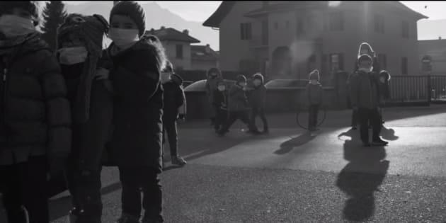 La vidéo choc sur la pollution tournée dans une école de Haute-Savoie où les enfants sont privés de récréation