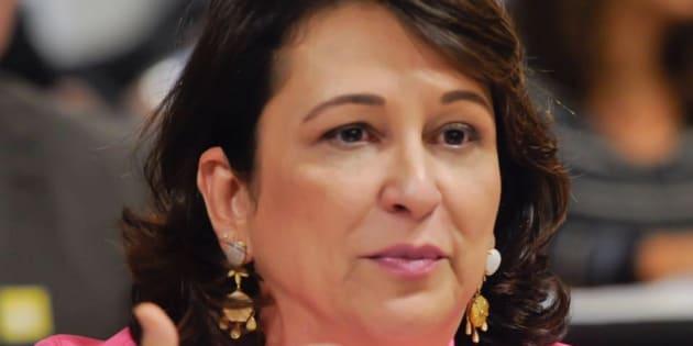 Conselho de Ética do PMDB decide expulsar Kátia Abreu do partido