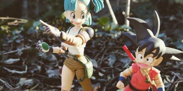 Voici une figurine de Bulma et Goku mis en scène en pleine nature. Plusieurs collectionneurs s'adonnent à ce hobby.
