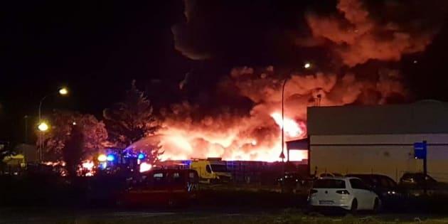 Un important incendie se déclare dans une usine à Strasbourg.