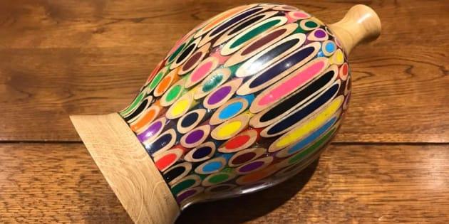 L'un des vases de Nick Z., l'artiste dont le travail a déjà été vu par 39 millions de personnes.