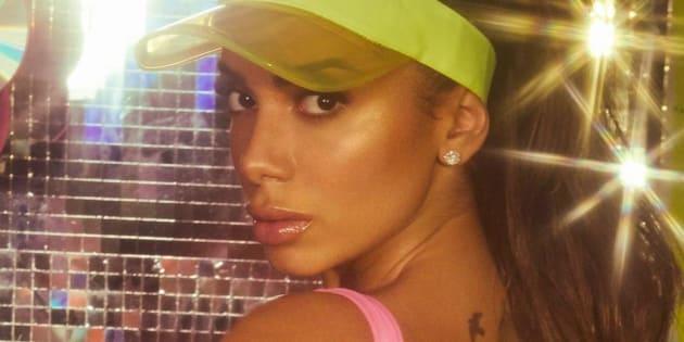 Anitta critica proposta para criminalizar funk.