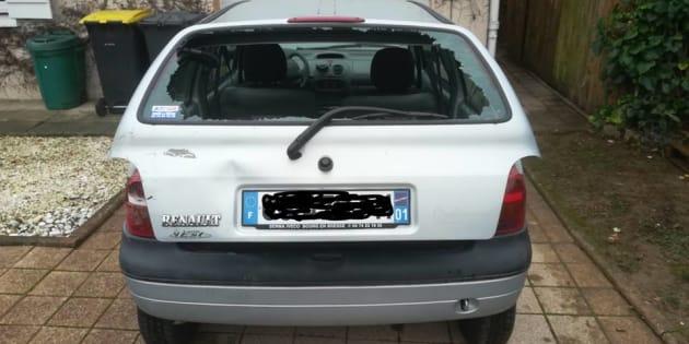 Sur Facebook, Raphael Duret a publié une photo de son véhicule vandalisé.
