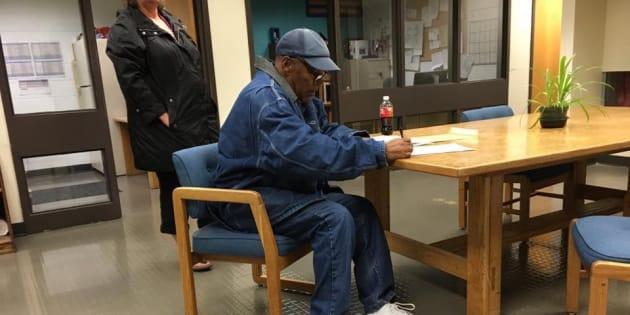 O.J.Simpson a su salida de la cárcel, la madrugada pasada.