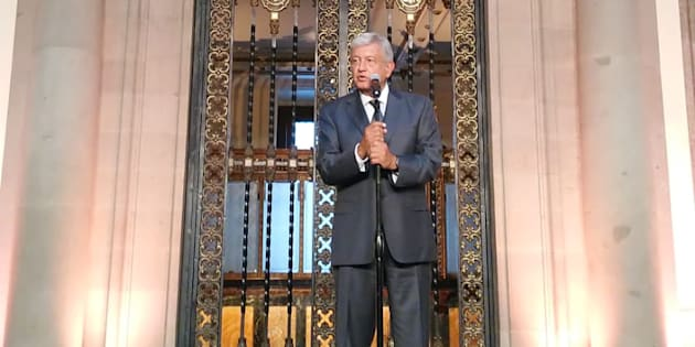 López Obrador tras su reunión con Peña Nieto en Palacio Nacional.