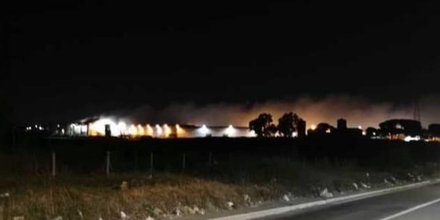Un altro impianto dei rifiuti va a fuoco a Roma |  brucia il Tmb di Rocca Cencia