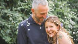 Il marito dorme per 6 giorni accanto al corpo della moglie morta: