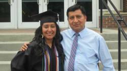He estudiado Medicina gracias a mi padre, pero lo van a deportar antes de