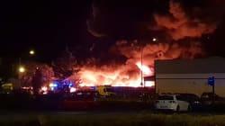 Un important incendie se déclare dans une usine à