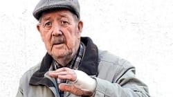 A 88 anni salva una donna aggredita da cinque uomini: