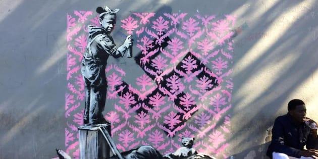 Banksy, sette nuove opere a Parigi raccontano i migranti