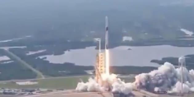 """SpaceX réussit le lancement de la """"version finale"""" de sa fusée Falcon 9, qui pourrait tout changer pour Elon Musk"""