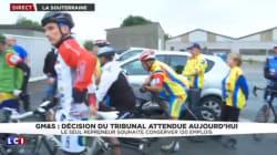 Des salariés de GM&S vont au tribunal de Poitiers à vélo avant la décision sur l'offre de