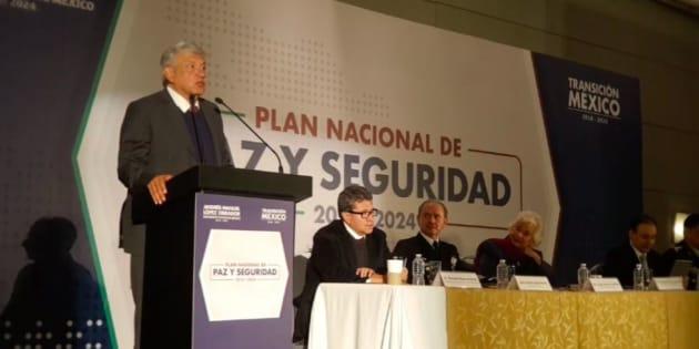 Andrés Manuel López Obrador y su equipo presentan el Plan Nacional de Paz y Seguridad 2018 - 2024.